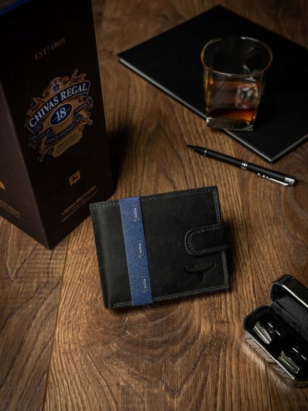 Мужской кожаный кошелек черный 2227