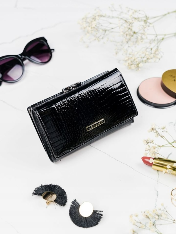 Жіночий шкіряний гаманець чорний 2108
